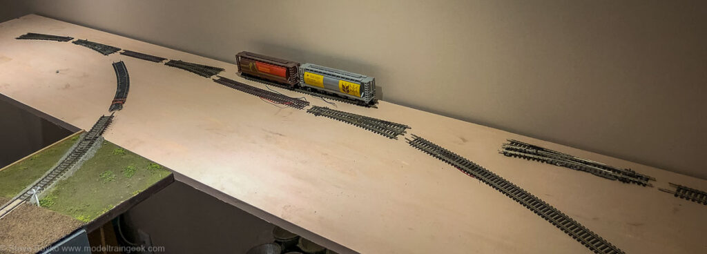 Loose track to test siding length